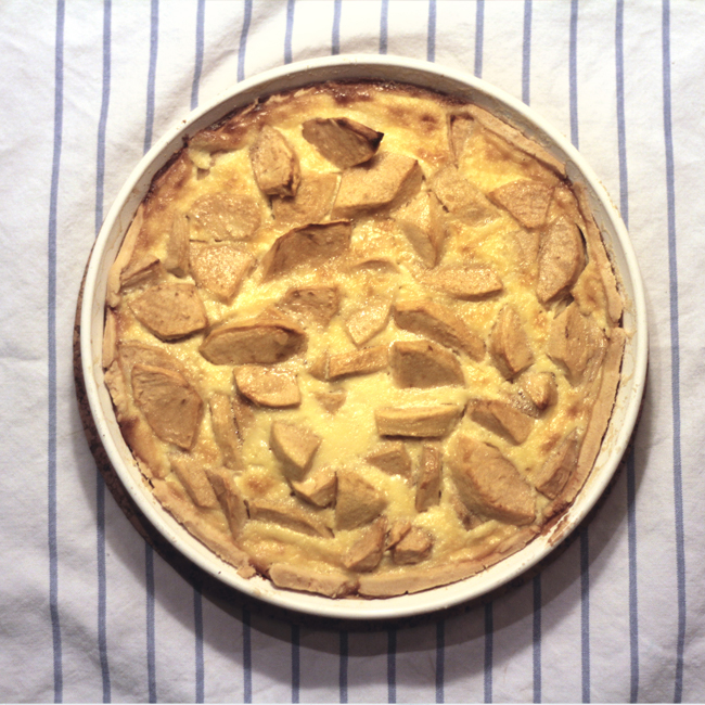 Jablečný koláč scalvadosem