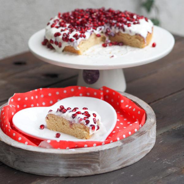 Valentýnský koláč sgranátovým jablkem