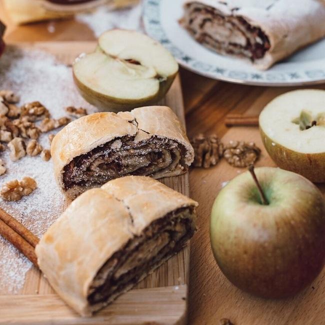 Jablečný štrůdl ze špaldové mouky