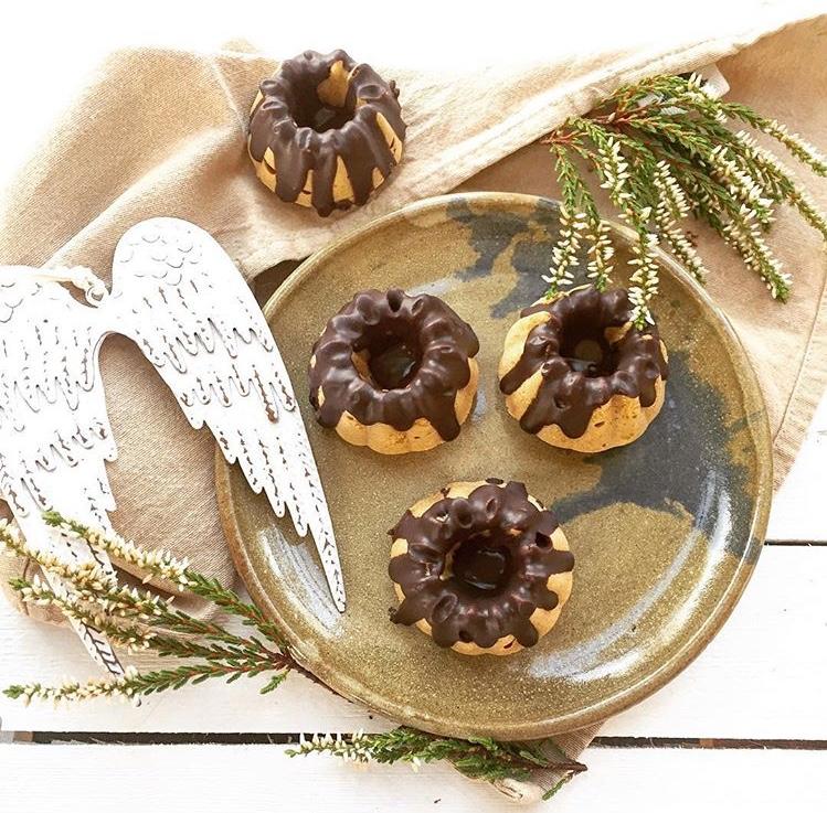 Mrkvové bábovičky sčokoládovou polevou