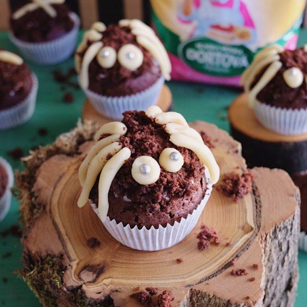 Halloweenské muffiny spavouky