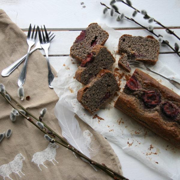 Celozrnný pšeničný makový chlebík se švestkami