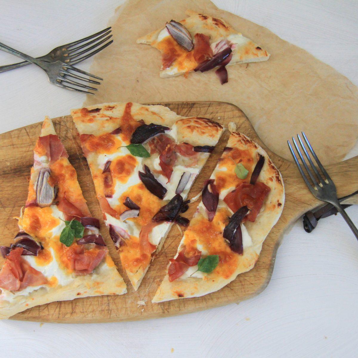 Alsaská pizza styrolskou šunkou