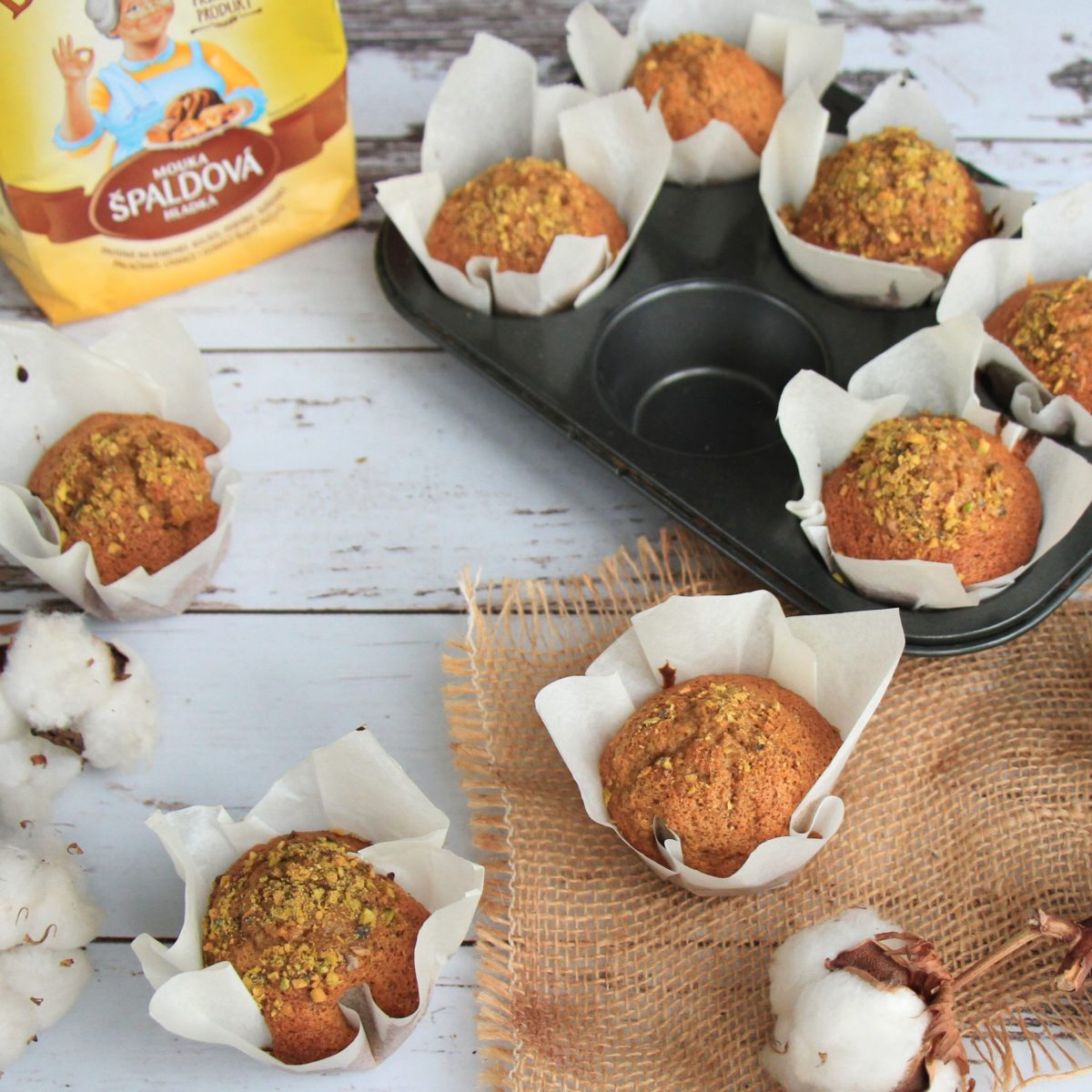 Mrkvové muffiny scitronem apistáciemi